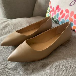 NEW Tahari Tan Leather Pointed Flat, Size 10